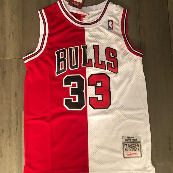 official photos 92df6 c76ef Scottie pippen Chicago Bulls half Jersey NWT